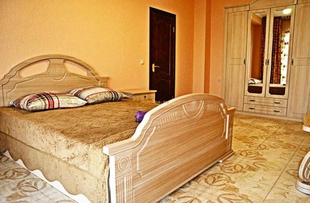 Отель в Витязево с бассейном ближе к морю