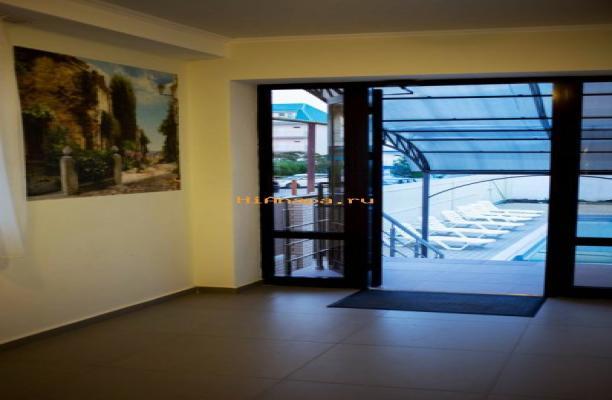 Ирис - отель с собственным бассейном в Витязево